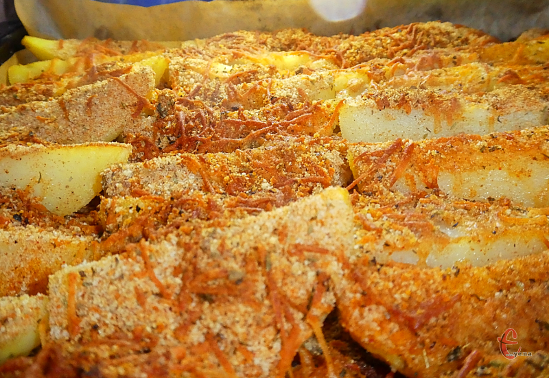 Ця страва стала улюбленою в нашій родині. Смачнішої картопельки годі й шукати!