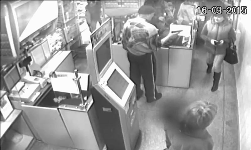 Пограбувати магазин зловмиснику завадив охоронець.