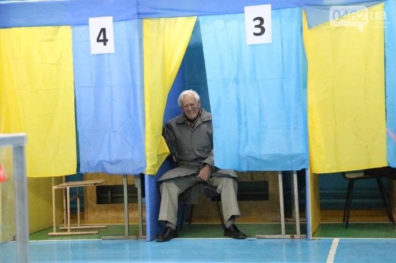 Усі соціологічні дослідження, які були оприлюдені напереродні виборів мера Хмельницького, не виводили Олександра Симчишина навіть у другий тур