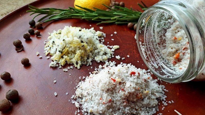 Чудовий спосіб зробити свою їжу кориснішою – додавати до неї ароматизовану суміш на основі морської солі, різних прянощів та спецій.