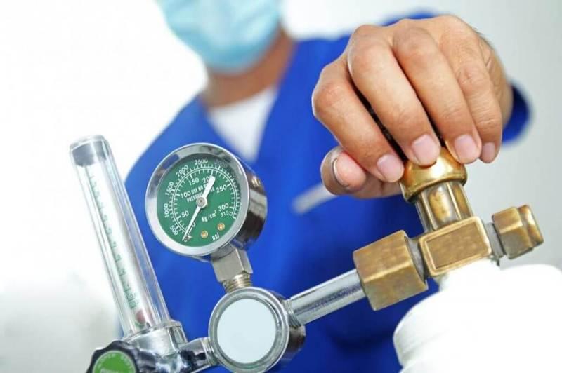 У деяких лікарнях Хмельниччини надалі зберігається проблема зі забезпеченням хворих медичним киснем