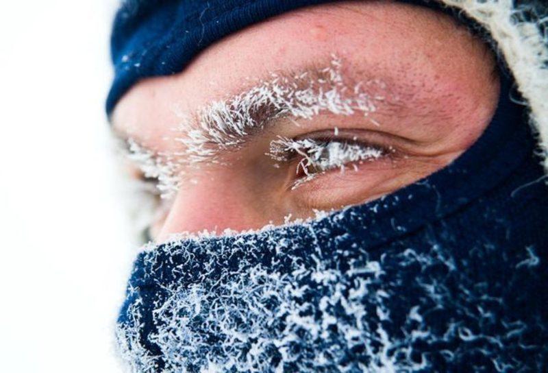 Існує декілька простих правил, виконання яких допоможуть уникнути переохолодження та обмороження при сильному холоді