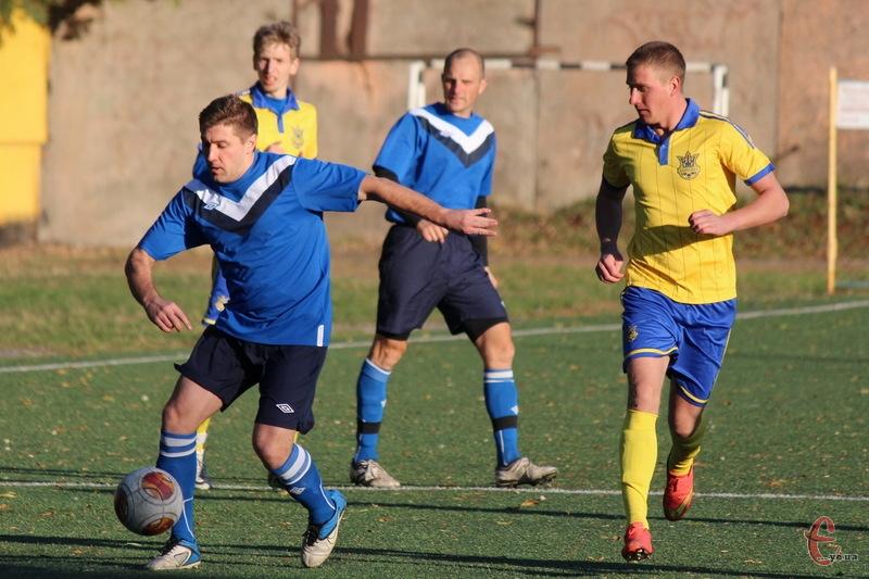 У першому колі чемпіонату області з футболу залишаються не зіграними ще два матчі