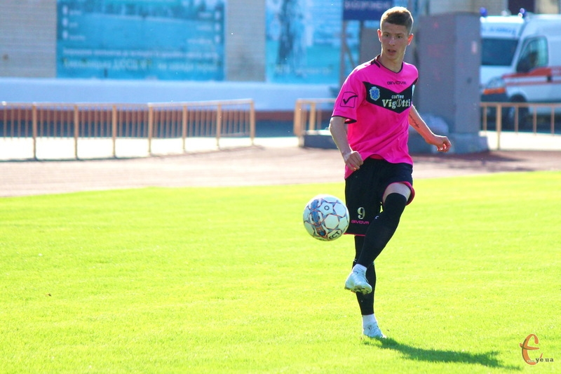Артем Панасенков один із небагатьох футболістів, які залишилися в ФК Хмельницький