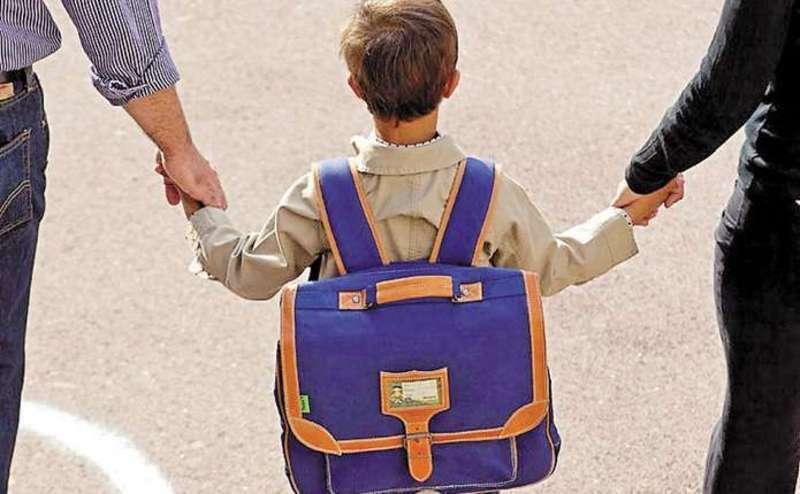 Вдома в дитини має бути режим дня та певні правила – це підготує дитину до того, що вона зможе виконувати їх і в школі