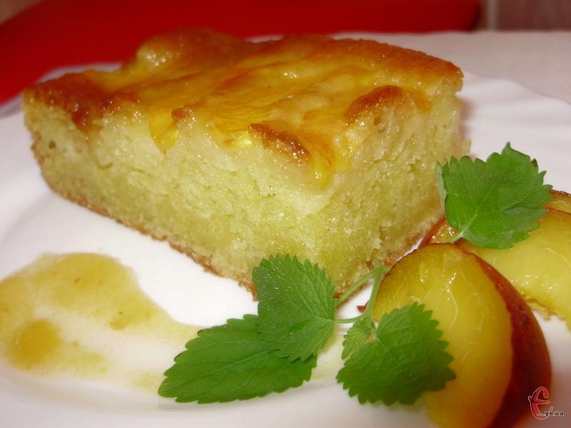 Смак у пирога ніжний, у міру вологий і соковитий. І, що найголовніше, готувати його швидко та легко. Результатом залишилася дуже задоволена.