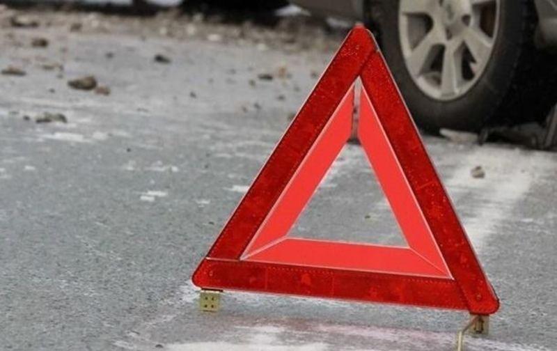 В результаті ДТП водій та двоє його пасажирів отримали тілесні ушкодження