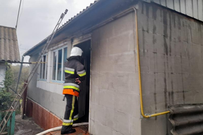Під час ліквідації пожежі в житловому будинку вогнеборці виявили тіло чоловіка