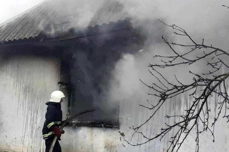Рятувальники 10 разів виїжджали на гасіння пожеж