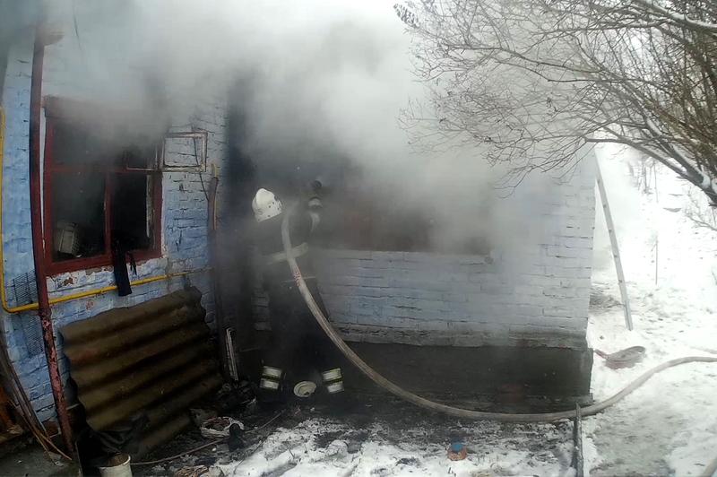 Під час ліквідації пожежі житлового будинку вогнеборці виявили бездиханне тіло власника