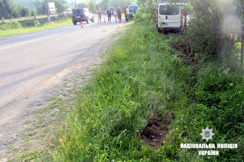 Мікроавтобус на смерть збив нетішинця
