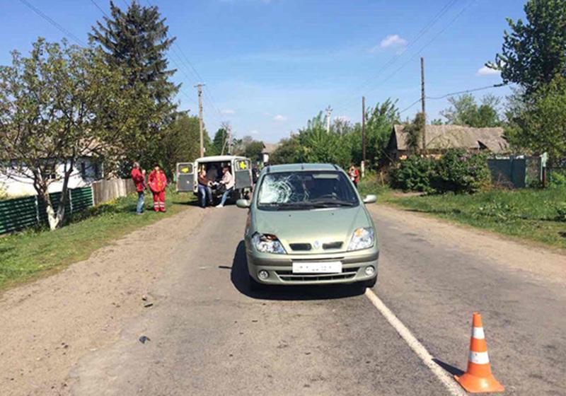 ДТП сталася на сільській дорозі