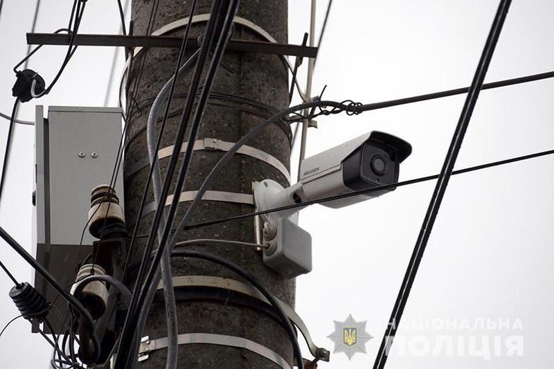19 камер, частина з яких інтелектуальні, встановлені на усіх в'їздах-виїздах у місто