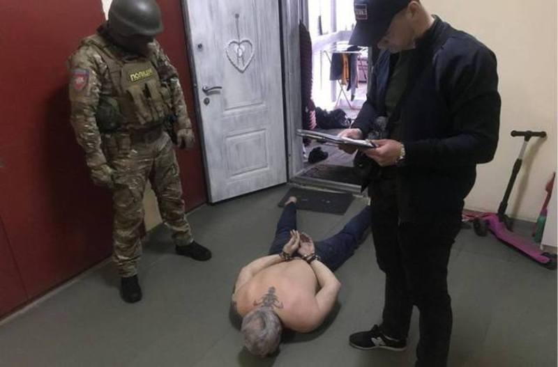 Один із затриманих, як кажуть у поліції, є криімнальним авторитетом