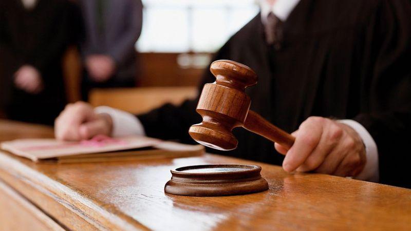 Згідно з ухвалою суду, підозрюваного триматимуть під вартою до 1 березня 2018 року