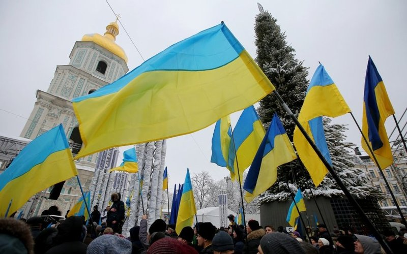 17 січня український парламент законодавчо затвердив можливість релігійній громаді перейти з однієї церкви в іншу