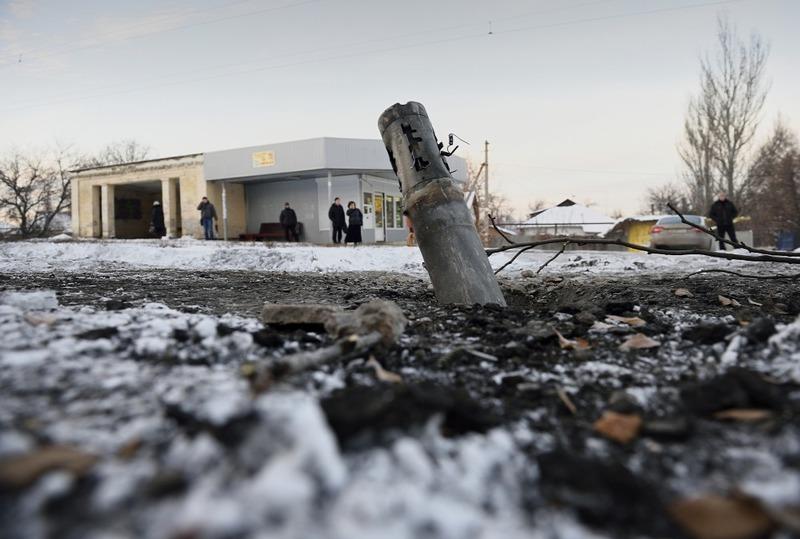На сході України продовжує тривати неоголошена війна, яка забирає життя українців