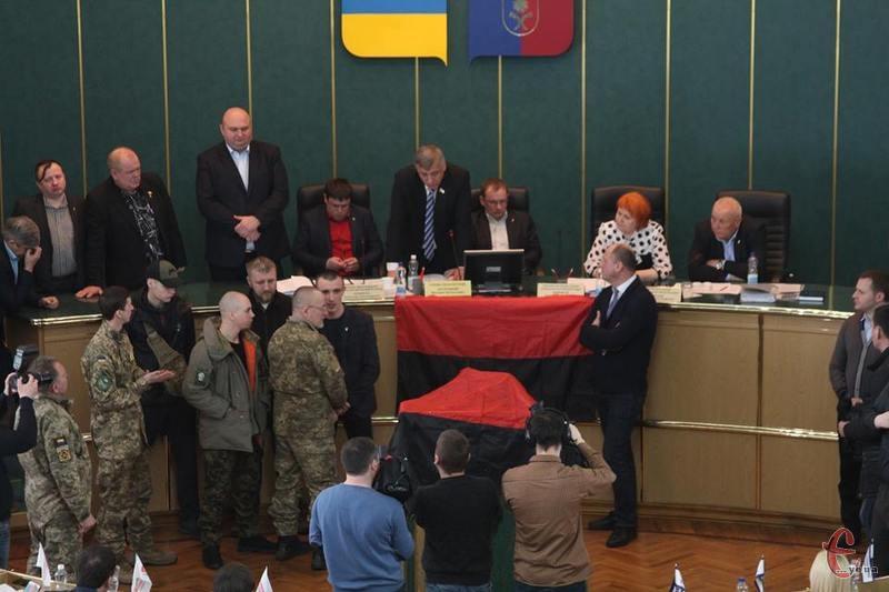 Сесія Хмельницької облради, яка розпочалася 22 березня, завершилася 27 березня