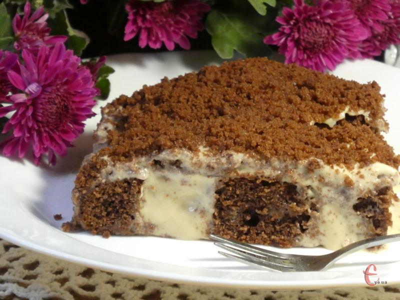 Пиріг дуже ніжний, його смак м'який та вершковий, як у морозива!