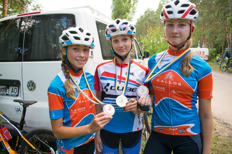 Хмельничанки Наталія Сафронюк, Кристина Ганжук та Марина Калинюк зібрали нагороди в усіх дисциплінах змагань
