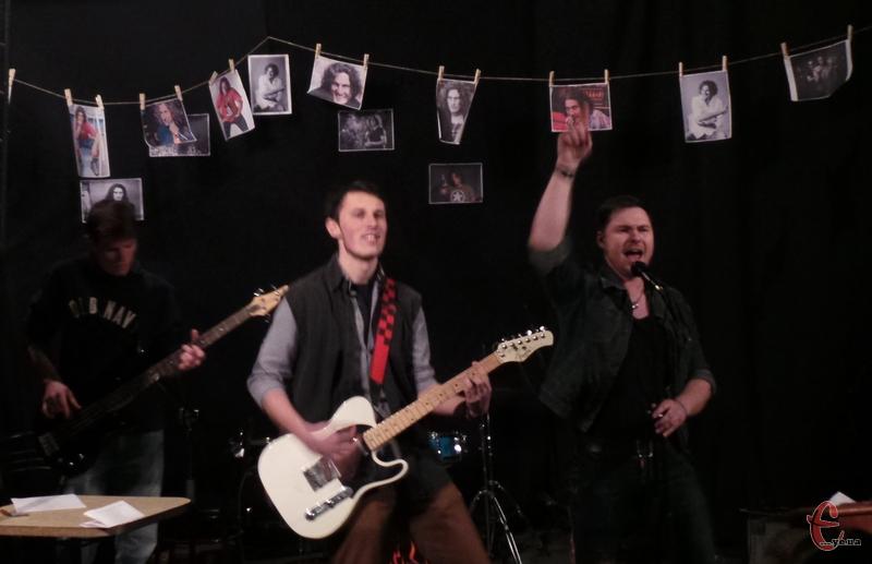 Музичну крапку у концерті пам'яті Кузьми поставив гурт із Городка «Flood Hopes».
