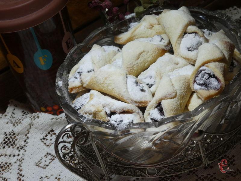Це печиво одне з найулюбленіших у нашій родині, мої домашні ласуни часто просять його спекти.