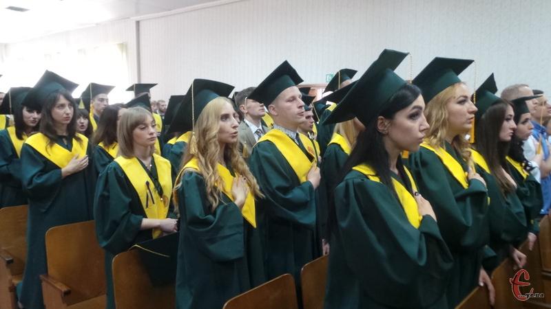 Більшість випускників планує продовжити навчання
