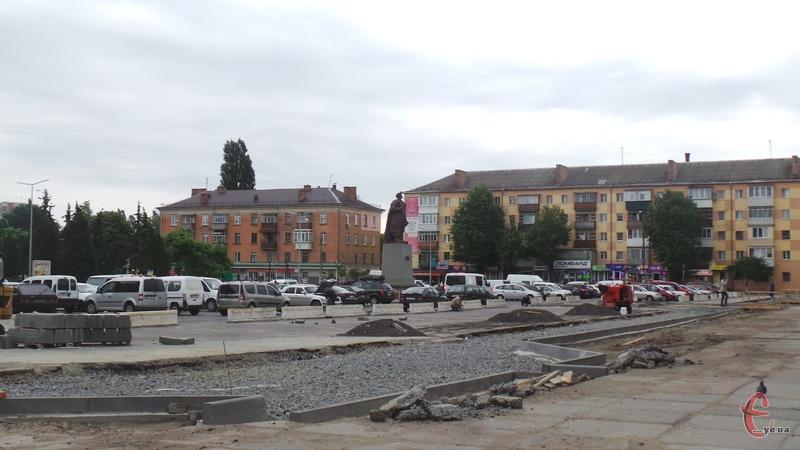 Перед входом на залізничний вокзал піднімуть пішохідний перехід