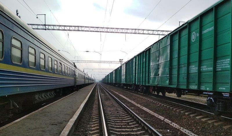 Загалом з 25 до 29 травня через Хмельницький курсуватимуть уже п'ять потягів
