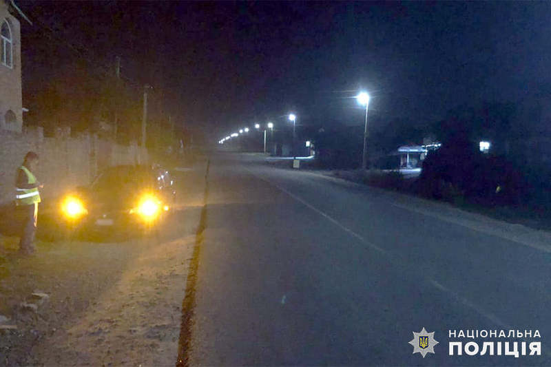 Автомобіль збив жінку в селі Ружичанка