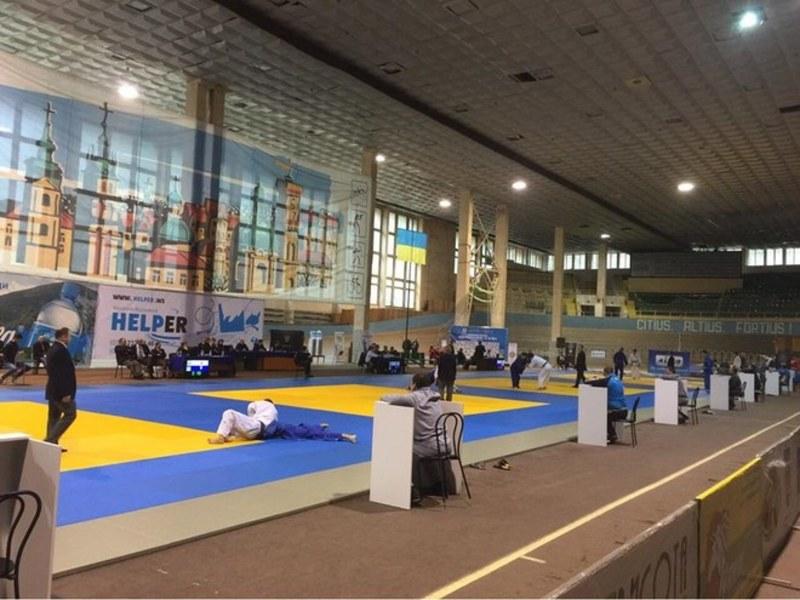 Участь у чемпіонаті України з дзюдо (U-18), який завершився в Львові, взяли  понад 450 спортсменів