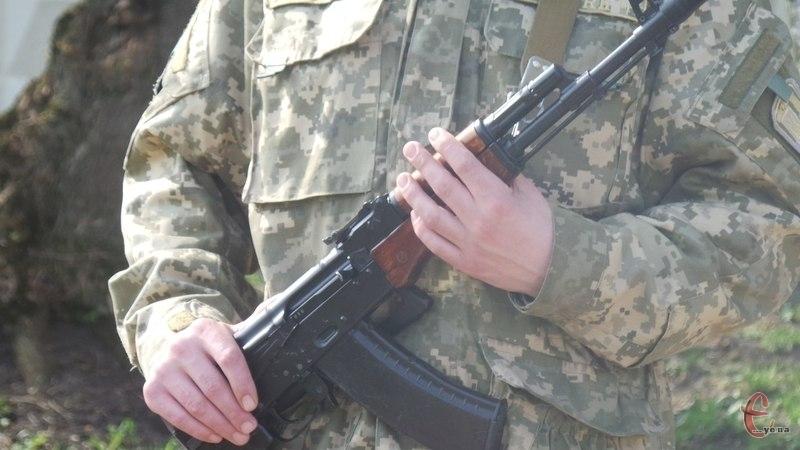 Мешканці Хмельниччини вправно сплачують військовий податок.
