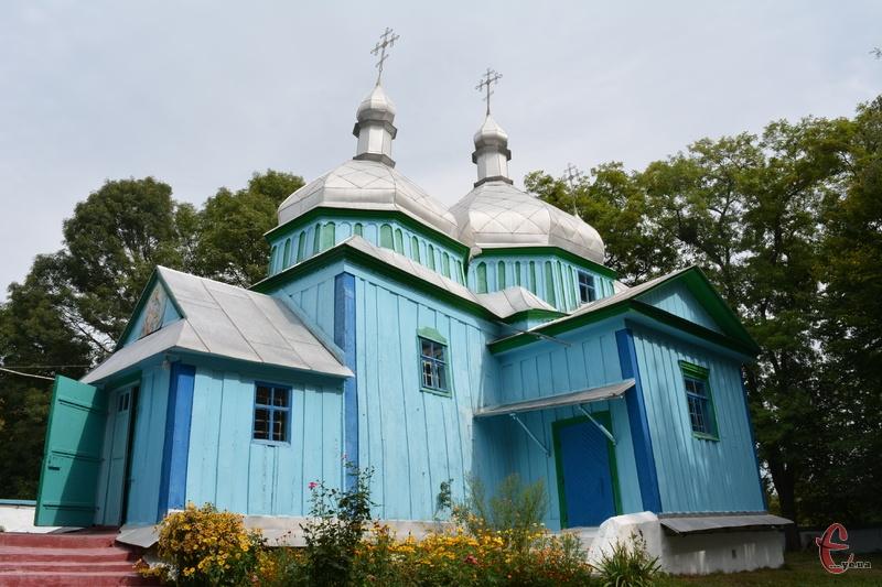 Дерев'яна церква у Западинцях має давню історію