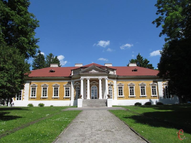 Палацо-парковий ансамбль у Самчиках називають українським Версалем