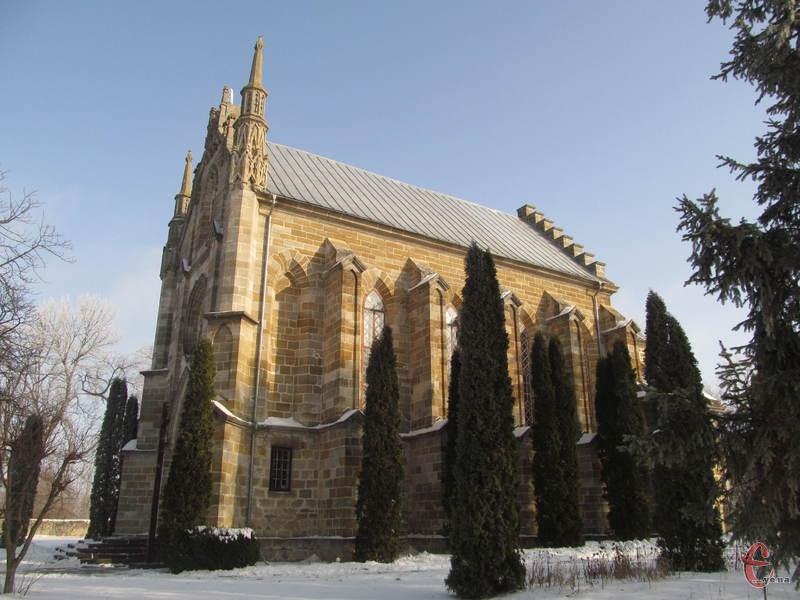 Костел у Мукареві збудували в середині ХІХ століття
