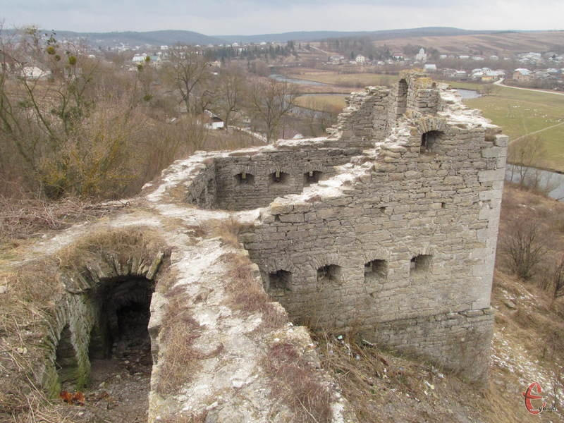 Одна із замкових веж