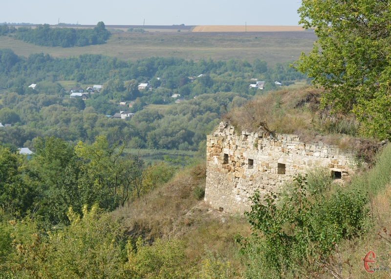 Єдина вціліла вежа Зіньківського замку