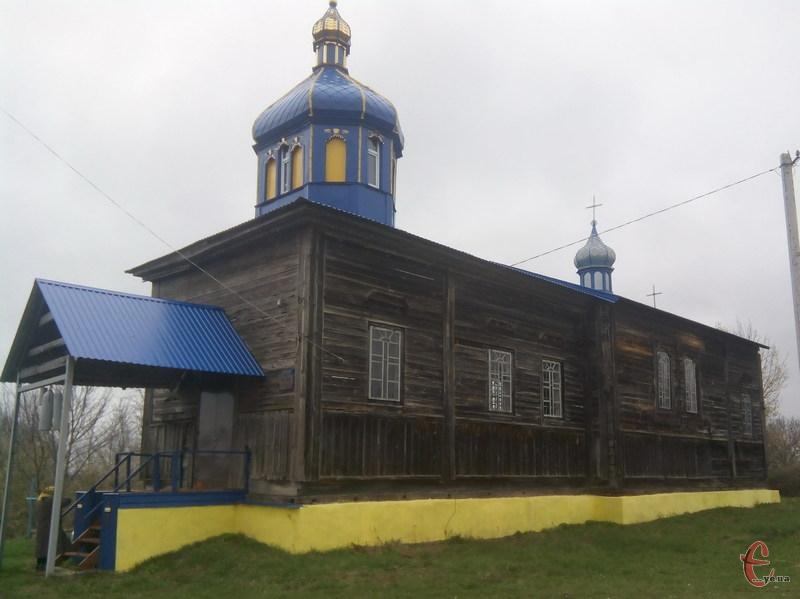 Церкву в Іванківцях будували з найкращого в околиці дуба.
