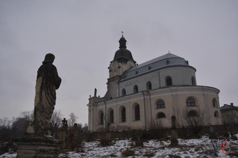 Костел у Микулинцях - справжнє архітектурне диво