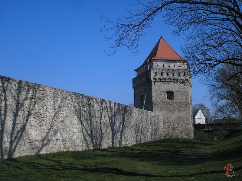 Замок розташовується у центрі міста