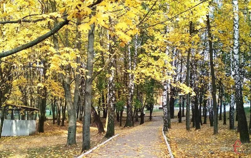 Погода подарує хмельничанам можливість вийти на прогулянку та поніжитися під осіннім сонцем