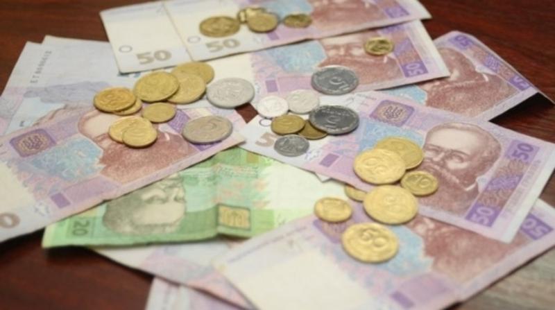 Вкрадені гроші жінка витратила на продукти та алкоголь