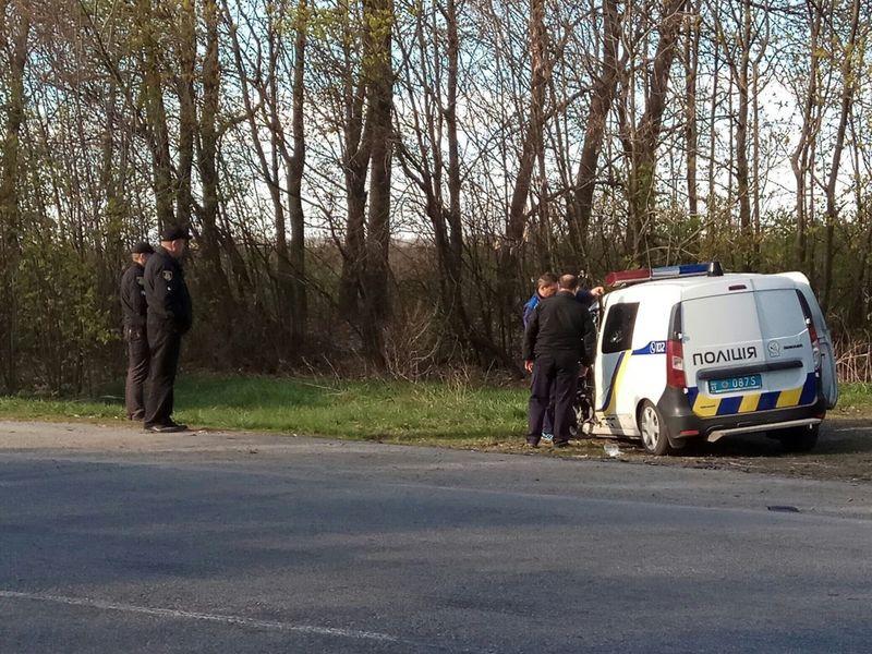 Славутські поліцейські, за словами свідків, їхали по зустрічній смузі