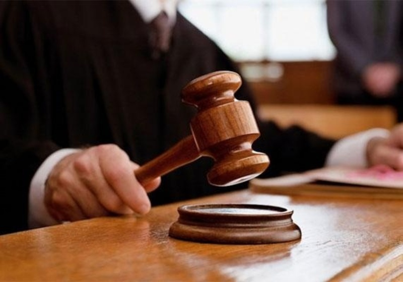 У підготовчому судовому засіданні потерпілий подав заяву про відмову підтримувати приватне обвинувачення щодо свого кривдника