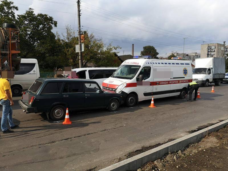 суд закрив справу за відсутністю в діях водія «швидкої» складу правопорушення