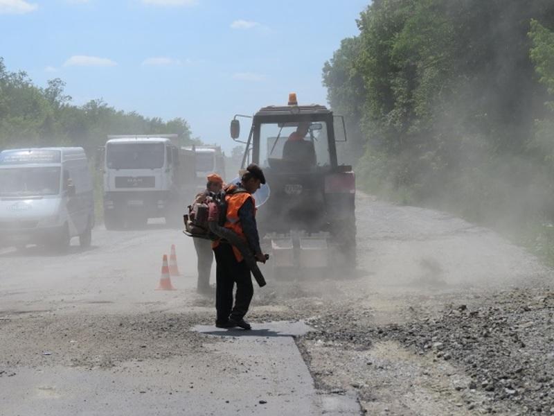Дороги ремонтують