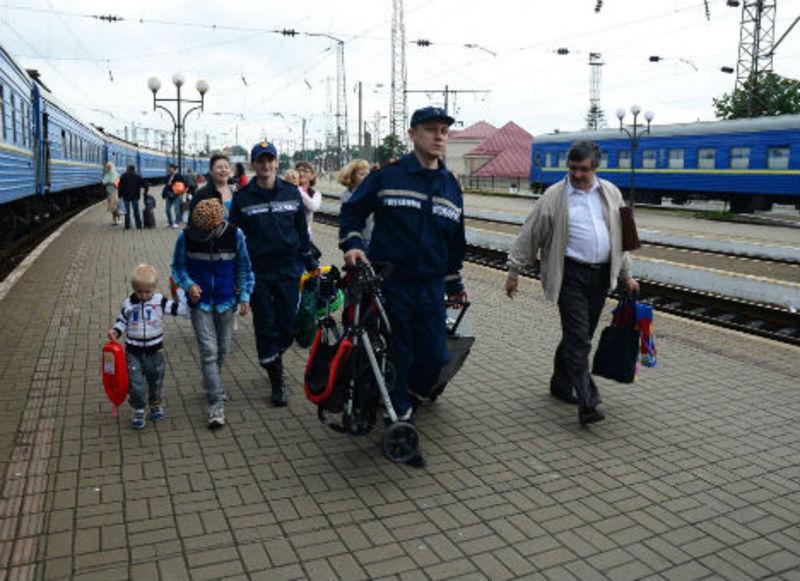 Переселенці отримують на Хмельниччині паспорти