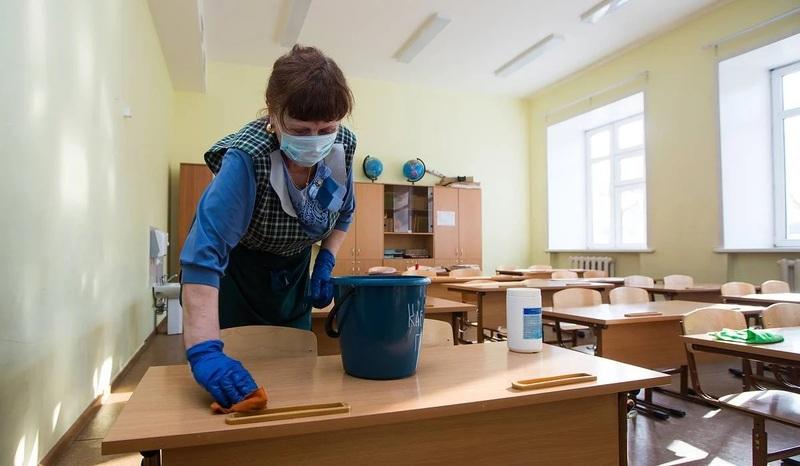 Наразі 16 класів у Хмельницькому переведені на дистанційну форму навчання