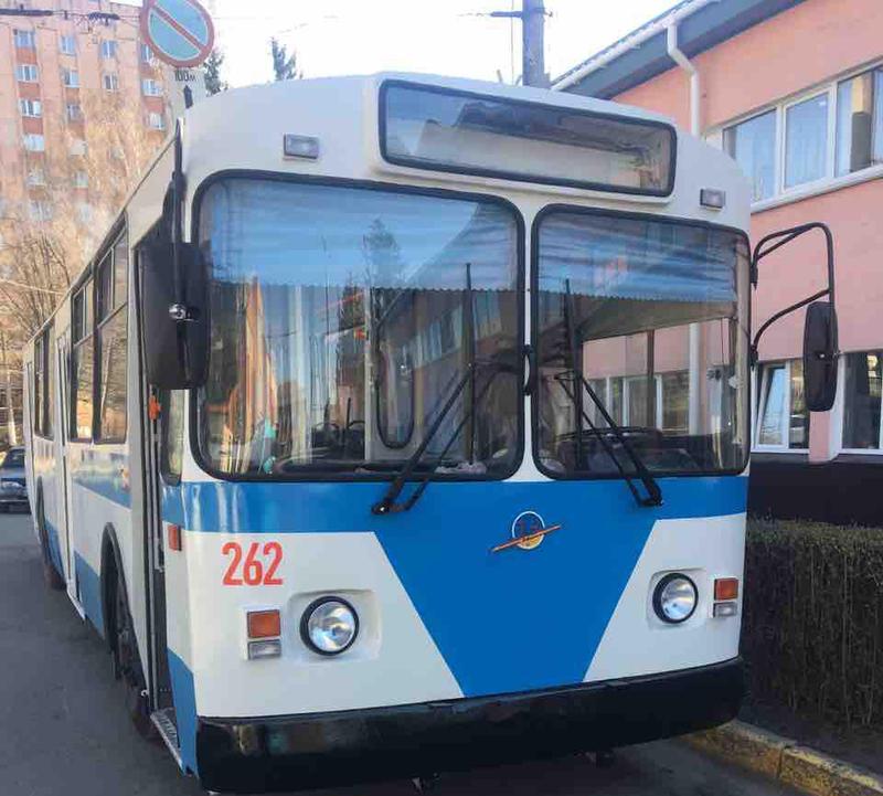 Тролейбусу майже тридцять років