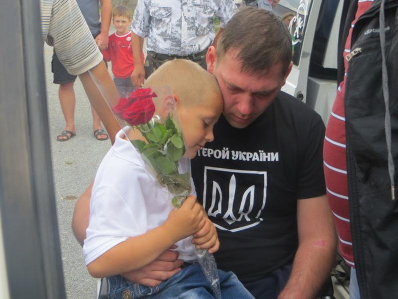 Дружина і два синочки вірять, що Олег ще зможе ходити